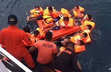 Philippines: Ferry carrying 60 people capsizes at sea