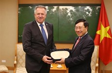 Deputy PM Pham Binh Minh receives Slovenian economic minister