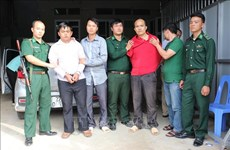 Dien Bien police arrest two transnational drug traffickers
