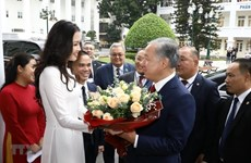 Kazakhstan's lower house chairman visits Hanoi University