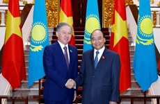 PM receives Kazakhstan's lower house leader
