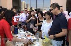 Vietnam attends int'l charity bazaar in Egypt
