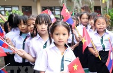 Lao-Vietnamese bilingual school celebrates Vietnamese Teachers' Day