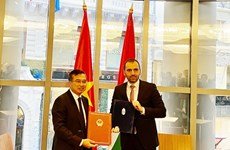 Vietnam, Hungary step up all-round cooperation