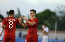 Vietnam trounce Laos 6-1 at SEA Games 30