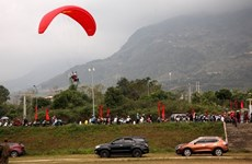 First Puteleng paragliding competition opens in Lai Chau