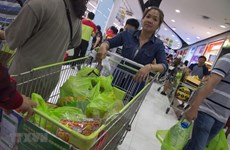Many shops in Thailand to stop providing plastic bags