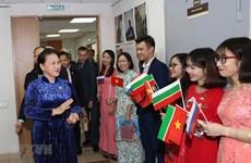 NA leader meets Vietnamese community in Tatarstan