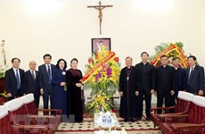 Top legislator extends Xmas greetings to Hanoi Archdiocese