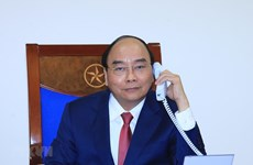 Vietnamese, Russian PMs hold phone talks