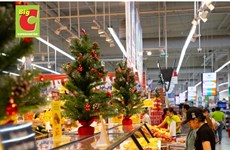 Christmas brings joy to shoppers, retailers alike