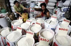 Cambodian PM defends stance on rice pricing