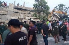 Building collapse traps dozens of people in Cambodia