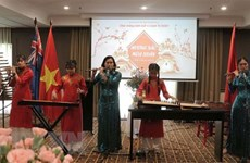 Vietnamese expatriates in Australia get together for Lunar New Year celebrations