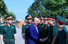 PM inspects combat readiness in Military Region 9