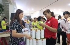 HCM City's Red Cross Society supports poor people ahead of Tet