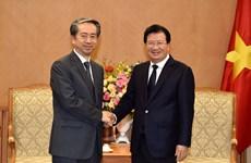 Deputy PM Trinh Dinh Dung hosts Chinese Ambassador