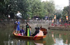 Spring festival draws tourists to Bac Ninh province