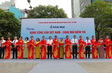 Photo exhibition on Party opens in HCM City