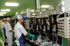 Manufacturing sees modest boost in January