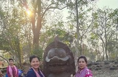Ancient lion statue found at Cambodia's temple complex
