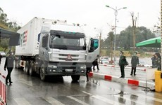 Vietnam restores goods transactions at border gates with China