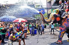 Thailand considers extending Songkran New Year holiday