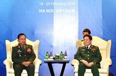 ASEAN 2020: Defence ministers of Vietnam, Laos meet in Hanoi