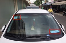 Ride-hailing cars must display taxi signs