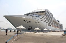 Panama's luxurious cruise ship anchors in Ba Ria-Vung Tau