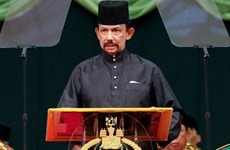Top leaders extend congratulations to Brunei on National Day