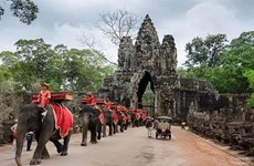 Cambodia extend foreigners' stay at Angkor park