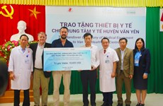 NGO, Australian man support newborn care in Yen Bai