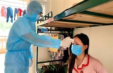 Hanoi tracks down close contacts of COVID-19 patients