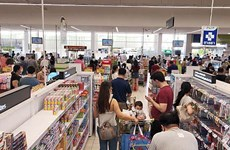 Thailand: People flock to buy goods after BMA announces closure of risk places