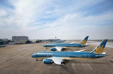 Vietnam Airlines carries medical equipment to Laos, Cambodia