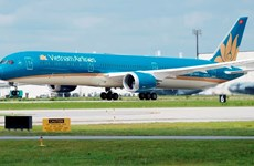 Vietnam Airlines offers free transport for health workers, medical equipment