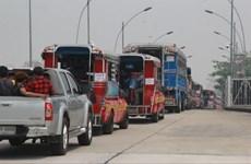 Thai authorities help stranded Myanmar workers return home