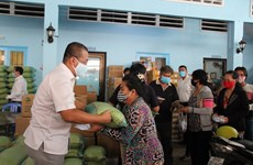 COVID-19: Relief packs given to Cambodian-Vietnamese