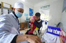 UNICEF, WHO ready to further support Vietnam in immunisation for children
