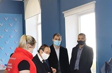Vietnamese community offers face masks for Russian city