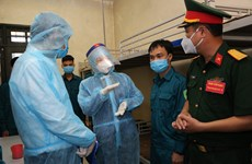 Vice President visits anti-pandemic force of Hanoi Capital High Command