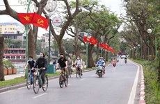 Hanoi relaxing restrictions, not lowering guard against COVID-19: Chairman