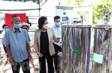 Another RO water purifier presented to Ben Tre province