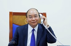 PM Nguyen Xuan Phuc holds phone talks with US President Donald Trump