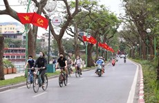 Hanoi asked to make different development scenarios to boost economic recovery