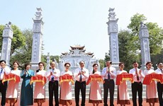PM cuts ribbon to launch temple dedicated to President Ho's ancestors
