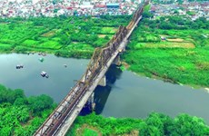 Helicopter tour provides ultimate view of Hanoi and Red River Delta