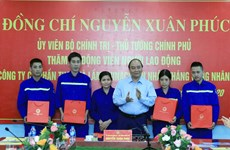 PM visits coal miners in Quang Ninh province