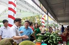 Fruit, farm produce week underway in Hanoi